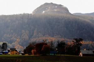 晩秋の昭和新山