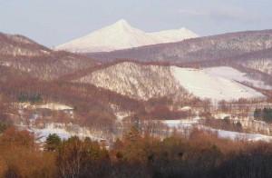 徳舜別山(左)ホロホロ山
