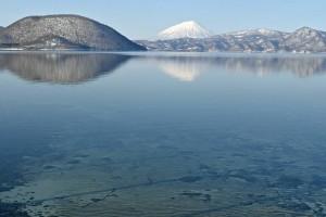 白い洞爺湖